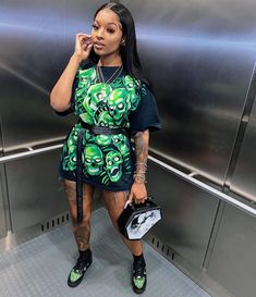 """DAISY DA DON 🐍 on Instagram: """"i could lose both hands, wouldn't drop the bag 💀💰shoes: @lacedupfeed"""" Black Girl Fashion, Dope Fashion, Fashion Killa, Urban Fashion, Womens Fashion, Fashion Beauty, Dope Outfits, Urban Outfits, Chic Outfits"""
