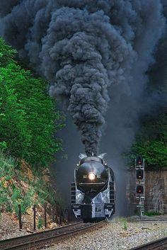 611 Exiting the Montgomery Tunnels Train Tracks, Train Rides, Train Wallpaper, Old Steam Train, Railroad Photography, Old Trains, Vintage Trains, Train Art, Train Pictures