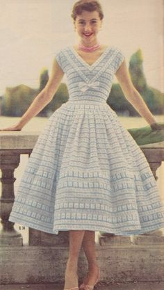 """The year 1955 was a year of what might be termed """"siren simplicity . 1950s Fashion Women, 1900s Fashion, Fifties Fashion, Retro Fashion, Vintage Fashion, Retro Mode, Mode Vintage, Vintage 1950s Dresses, Vintage Inspired Dresses"""