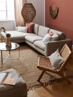 Les nouvelles tendances déco en 2021 | Westwing Beige Sofa Living Room, Beige Couch, Boho Living Room, Home And Living, Living Room Decor, Living Furniture, Beige Room, Bedroom Wall Colors, Room Colors