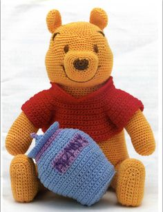 Amigurumi: Winnie the Pooh Crochet Crafts, Crochet Projects, Free Crochet, Knit Crochet, Thread Crochet, Crotchet, Crochet Patterns Amigurumi, Crochet Dolls, Knitting Patterns Free