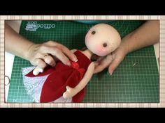 Tutorial Hada de la navidad: Colocar cabeza y pelo - YouTube Doll Videos, Doll Making Tutorials, Doll Home, Anime Dolls, Doll Tutorial, Baby Art, Child Doll, Sewing Toys, Soft Dolls