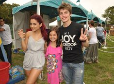 Ariana Grande Photos - (EXCLUSIVE ACCESS)  Actors Ariana Grande, Bailee Madison and Gregg Sulkin attend the 21st A Time For Heroes Celebrity Picnic sponsored by Disney to benefit the Elizabeth Glaser Pediatric Aids Foundation held at Wadsworth Great Lawn on June 13, 2010 in Los Angeles, California. - 21st Anniversary A Time For Heroes Celebrity Picnic Sponsored by Disney