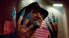 A Nightmare on Elm Street 3 Dream Warriors . Freddy Krueger Robert Englund Nightmare On Elm Street Robert Englund, Newest Horror Movies, Horror Films, Horror Fiction, New Nightmare, Nightmare On Elm Street, Halloween Look, Halloween Makeup, Halloween Horror