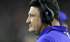 LSU scrambling to keep 2017 class together without Les Miles = All it took was one mistimed snap in the Auburn game to seal former LSU head coach Les Miles' fate with the school.  After leading the Tigers to a national championship in 2007 and an SEC title in 2011, Miles famously.....