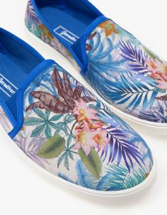 Slip On, Sneakers, Html, Shoes, Fashion, Latest Fashion Trends, Slippers, Summer Time, Style