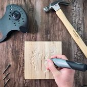 In this wood carving tutorial, I show you how to power carve with a Dremel Stylo. This will be a great place as a beginner to learn to carve with your Dremel. Dremel Werkzeugprojekte, Dremel Wood Carving, Dremel Tool Projects, Diy Wood Projects, Wood Burning Crafts, Wood Burning Art, Wood Carving Patterns, Diy Holz, Woodworking Crafts