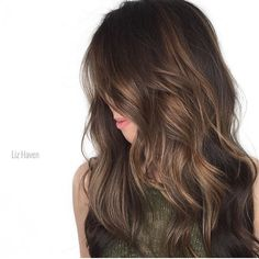 "624 curtidas, 9 comentários - Mane Interest (@maneinterest) no Instagram: ""Holiday Brunette Glaze. Color by @lizhaven #hair #hairenvy #hairstyles #haircolor #brunette…"""