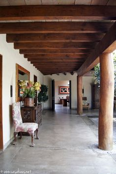 Spanish style – Mediterranean Home Decor Mexican Home Decor, Mexico House, Rustic Home Design, Patio Interior, Spanish Style Homes, Spanish Colonial, Hacienda Style, Mediterranean Home Decor, Cool House Designs