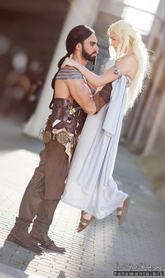 Khal Drogo (left)and Daenerys Targaryen(right) fromA Song of Ice and Fire (Game of Thrones)  Cosplayers: ToxicHime (Daenerys) Artemis Entreri(Drogo) Photographer:Fotomania[FB]