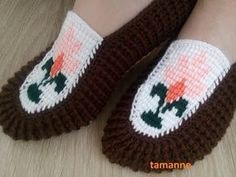Tuning the hinges of the . Crochet Art, Crochet Shoes, Crochet Slippers, Free Crochet, Crochet Patterns, Knitting Socks, Baby Knitting, Baby Boy Photos, Tunisian Crochet