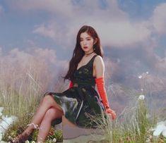 Seulgi, South Korean Girls, Korean Girl Groups, Rapper, Red Velvet Irene, Just Girl Things, Tiana, Peek A Boos, Asian Woman