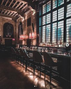 Want to see NYC like a local? Then read this list of 23 unusual things to do in NYC. It has a ton of secret places that most locals don't even know about! Speakeasy Nyc, New York City Attractions, New York Bucket List, New York Bar, New York City Bars, New York City Vacation, City Aesthetic, Long Island Ny, Its A Mans World