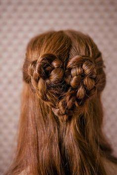 Weddbook ♥ Wedding heart braid hairstyles. Bohemian hairstyles for long hair. Valentine's Day wedding hairstyle. Simple and elegant wedding hairstyle. spring summer heart braid bohemian valentinesday