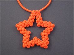 Tutorials for lots of nifty knots and cords (including this DeAna Star Sinnet)-- by fusion knots