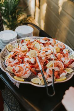 Mouth watering jumbo shrimp.  Jason Zachary Catering.  📷 Lee-Anne Jarrett Posh Nosh, Hors D'oeuvres, Canapes, Paella, Catering, Shrimp, Ethnic Recipes, Desserts, Food