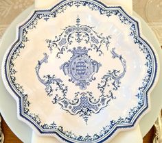 I dream of: Bringing Provence Home: A Bit of Blue and White