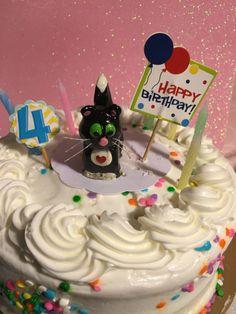handmade cat cake topper free shipping polymer clay kitty cat birthday wedding caketopper animal sculpture  cat lover pet lover ornament by KatzenKlaa on Etsy https://www.etsy.com/listing/221170263/handmade-cat-cake-topper-free-shipping