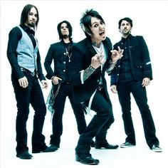 I'm listening to Papa Roach, ♫ on iHeartRadio