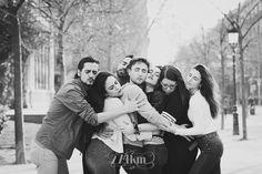 Sesión de fotos de retrato de un grupo de amigos en el parque de la ciudadela de Barcelona (25)