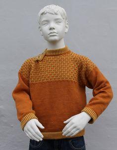 Herlig drenge sweaters med et anderledes sømandslook Sweatersen er fremstillet i ren uld Str 10 år