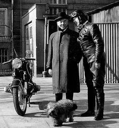 Biker Women. #Bikers #Motorcycles #Leather #LadyBikers #Vintage #VintagePhotos #MotorBikes