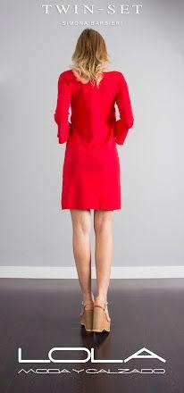 Vestido rojo TWIN SET por 175 €.¿ Tiene sentido gastarte más de 200 € en la ropa de los chinos pudiendo llevar un vestido de TWIN SET por menos dinero ?