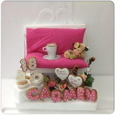 #happiness for #friend#breakfast #together#birthday#fucsia#pink#heartBiscuit#croissant#Cream#fruits#sfogliatella#sessaspecialeventandcakes #bench#BenchBreakfast#breakfastdesign #breakfasttable#cappuccino#brioche#chocolate#sessaartigianidelgusto#flowers#cupcake