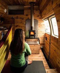 considérer le poele comme moyen de chauffage, en plus agréable de voir la flamme, plus chaleureux, vérifier points forts et points faibles