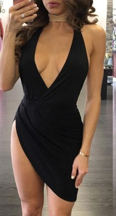 For office meetings, girls' nights out, or hot dates, this sexy black dress will always keep you ready. It is a body-con backless dress. The dress with a plunging v neck and splited hem. Wear this prom dress with a pair of high heels. Tight Dresses, Sexy Dresses, Cute Dresses, Fashion Dresses, Bandage Dresses, Sexy Party Dress, Fashion Heels, Mini Dresses, Party Dresses