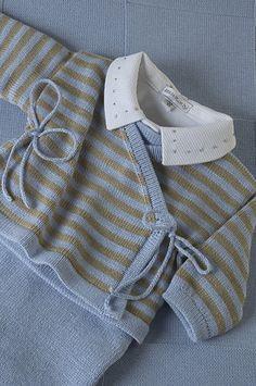 Conjunto Cashquere, listrado azul e bege, com body gola bordada poá bege, com manta coordenada = Um charme para sair da maternidade.