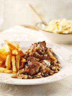 Τηγανιά πράσου με χοιρινό - www.olivemagazine.gr Greek Meze, Greek Recipes, Kung Pao Chicken, Food Truck, Love Food, Poultry, Food Porn, Pork, Dessert Recipes