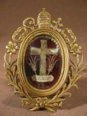 Reliquary, with Papal arms. Vestment Of S.S Pie IX
