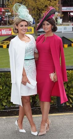 Punchestown Pictures Special: Check out our style roundup from Punchestown Festival - Emma Hanratty and Kirsty Farrell made a glamorous return to the Punchestown Festival Ascot Outfits, Derby Outfits, Party Dress Outfits, Outfits With Hats, Race Day Fashion, Races Fashion, Look Fashion, Kentucky Derby Fashion, Kentucky Derby Outfit