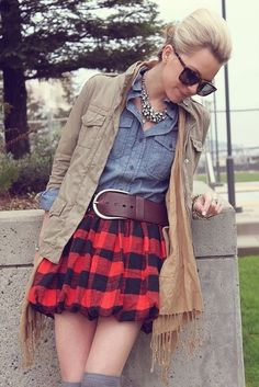 Red plaid skirt outfit | Street Style