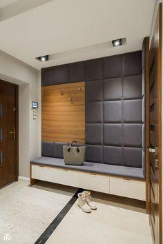 Elegancki dom w barwach ziemi - Średni hol / przedpokój, styl nowoczesny - zdjęcie od studio wnętrz URBAN-DESIGN