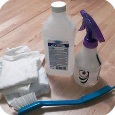 DIY: Microfiber Cleaner Using One Ingredient! | cincysavers.com