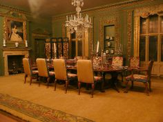 Dollhouse Dining Room by Jack English, via Flickr.  {Windows and still room for shelf}