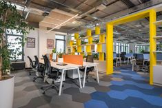 Architectural design studio Katz Interiors has implemented a large-scale, unique interior design project on behalf of international payment solutions Workspace Design, Office Workspace, Office Interior Design, Office Interiors, Corporate Interiors, Office Designs, Modern Office Decor, Office Ideas, Stylish Office