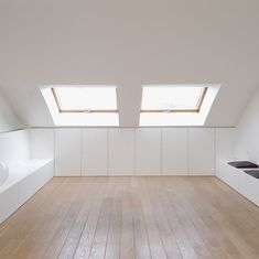 Finishing in a sentence with a skin of wood, photo Toon Grobet, . Loft Storage, Attic Conversion, Bedroom Interior, House Interior, Home, Bedroom Loft, Interior, Attic Rooms, Interior Design Bedroom