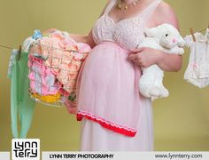 Pin-Up maternity shoot by Lynn Terry Photography. #MaternityShoot #MomToBe #PregnantPinup #LynnTerryPhotography