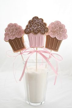 Pink Cupcake Cookie Lollies