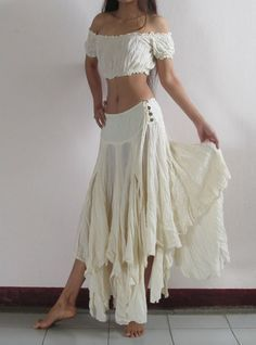 Look Hippie Chic, Look Boho, Hippie Style, Bohemian Style, Gypsy Style, Bohemian Skirt, Dance Outfits, Boho Outfits, Fashion Outfits