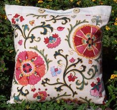 a flowery pillow delight!