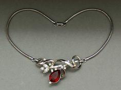 Trifari 'Alfred Philippe' 1951 'Gems of India' ruby rhinestone necklace - Glitzmuseum