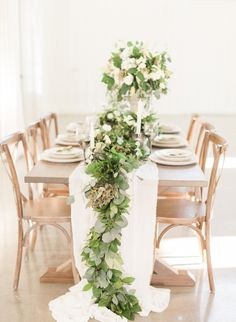 Inspired By This Farmhouse Wedding Inspiration Full of Greenery Shed Wedding, Green Wedding, Wedding Tips, Summer Wedding, Cake Wedding, Wedding Goals, Bridesmaid Inspiration, Rustic Wedding Inspiration, Green Garland