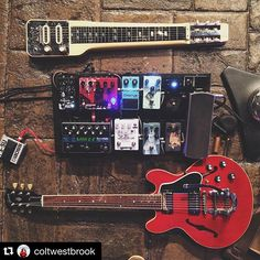Unbelievable setup from @coltwestbrook featuring the Latitude Deluxe. #Wampler #pedalboard #gearporn #ToneHeaven #guitars #pedals #Repost @coltwestbrook ・・・ Tonight's gUnZ