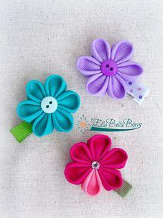Small Kanzashi Flower Ribbon Sculpture Hair Clip, One (1)