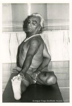 BKS Iyengar in Parivrtta Ardha Baddha Padma Pascimottanasana Copywright Sylvia Prescott