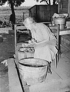 Picking over tomatoes : In Grandmother's Day | Old-Time Happy Housewifery
